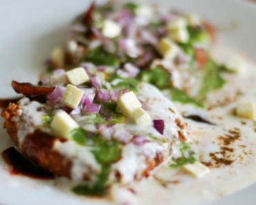 Aloo tikki served on plate