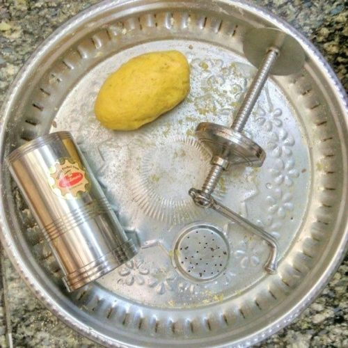 Step by step process to prepare Aloo Bhujia