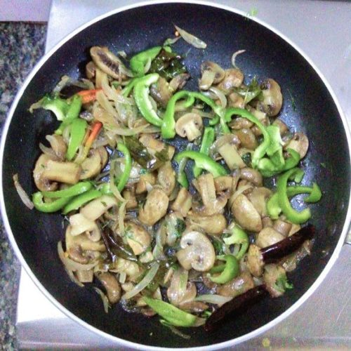 Mushroom Pepper Fry cooking process