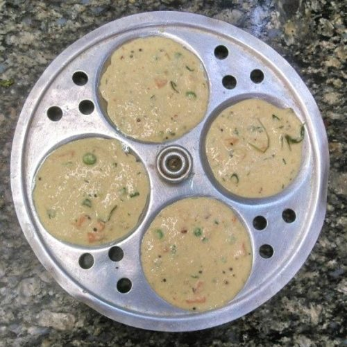 Steaming Oats Idli